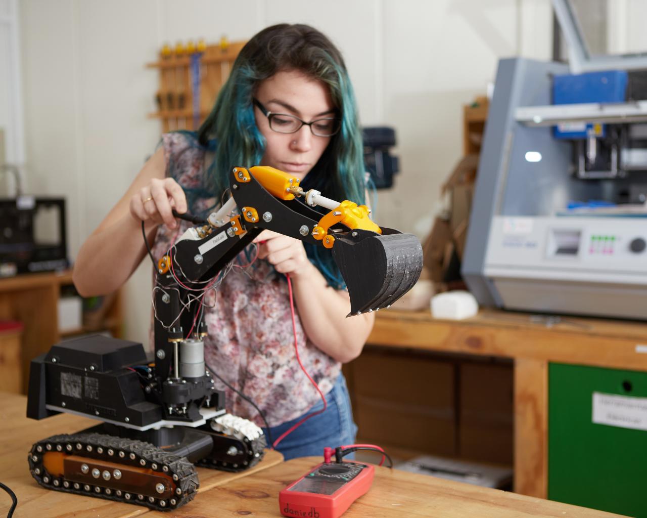 Ciclo de charlas busca incentivar participación femenina en carreras de ingeniería
